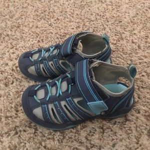 Toddler Boys sandals size 7